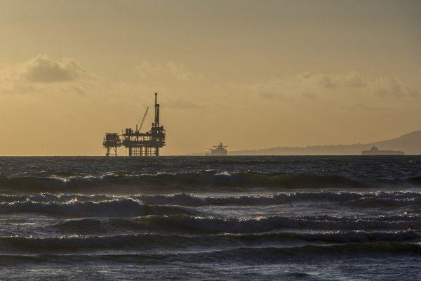 oil-platform-484859_1920 (2)